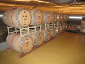 能登ワインが眠る樽