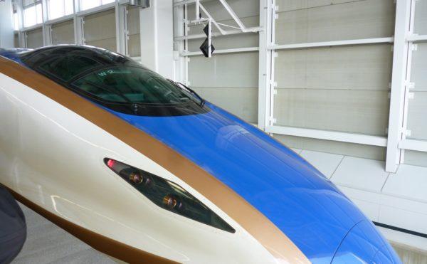 北陸新幹線の美しい車体