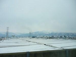 北陸新幹線の車窓から